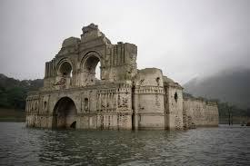 Impresionante templo sumergido