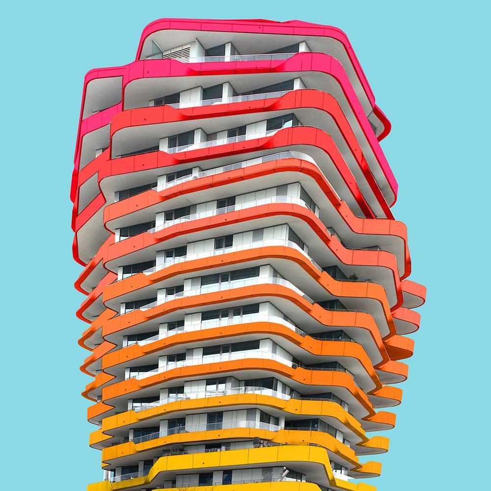 Una perspectiva arquitectónica del edificio con muchocolor