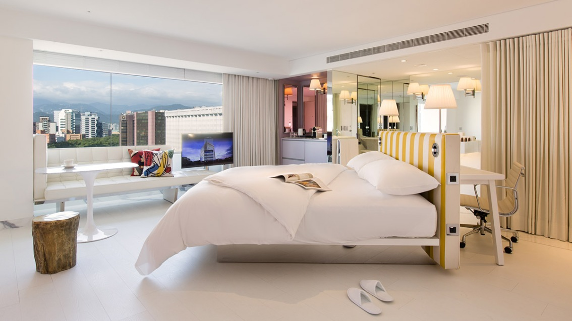 Philippe Starck Creates Poetic Interior For S Hotel InTaiwan