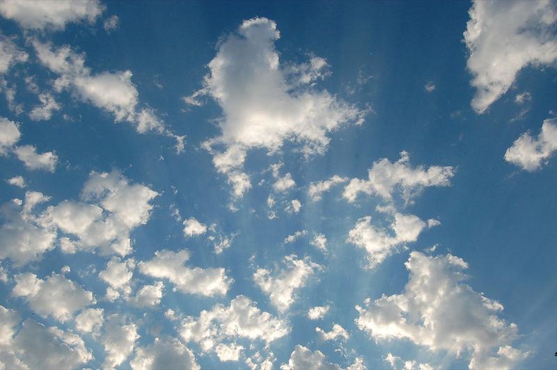 La NASA pide que le mandes fotos de nubes para confirmar las imágenes de sussatélites